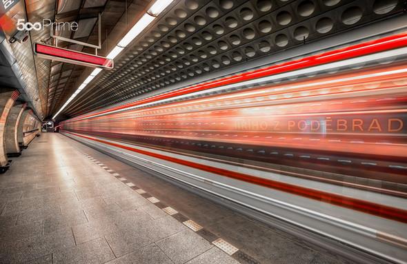 Moving-Underground