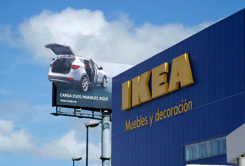 Creative-Free-Building-Billboard