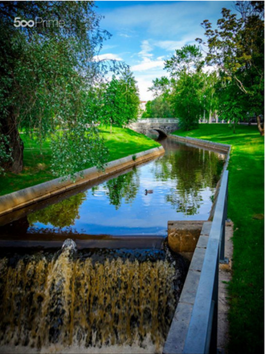 The-canal-525x700